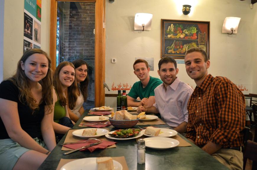 Cenando en la Taberna Albur