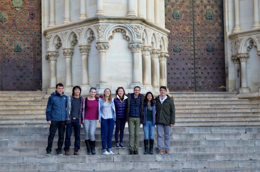 El grupo frente a la catedral