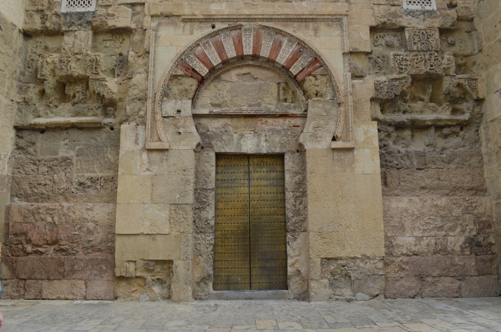 Fachada de la mezquita-catedral.