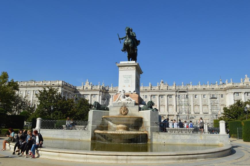 Plaza de Oriente y Palacio Real.